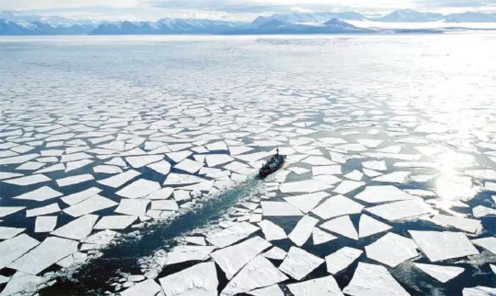 极地航行.jpg